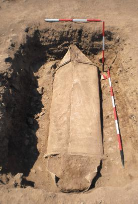 Archaeological mystery in a halfton lead coffin