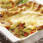 Leek, red pepper and cashew nut lasagne